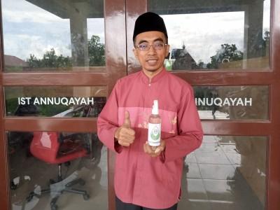 Mahasiswa IST Annuqayah Guluk-Guluk Bikin Hand Sanitizer Pencegah Corona