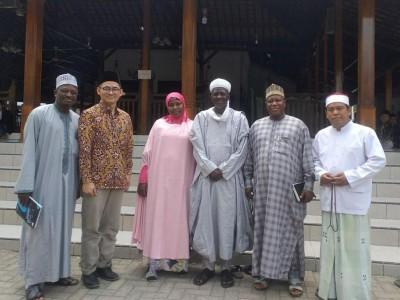 Sejumlah Ulama Nigeria Kunjungi Buntet Pesantren