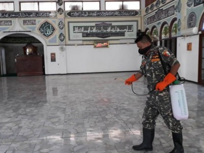 NU Jakpus Layani Permintaan Semprot Disinfektan ke Tempat Ibadah