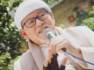 Innalillahi, Pengasuh Pesantren Ilmu Al-Qur'an KH Bashori Alwi Wafat