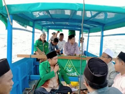 Burdah Keliling Pakai Perahu, Ikhtiar Ansor di Sumenep Halau Covid-19