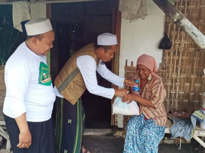 Ahbabul Musthofa Bojonegoro Bagikan Sembako ke Terdampak Covid-19