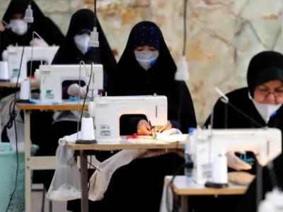 Relawan di Iran Manfaatkan Masjid untuk Produksi Masker