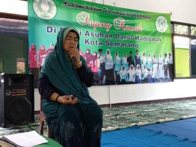 Lawan Corona, Muslimat NU Semarang Doa Bersama Anak Yatim