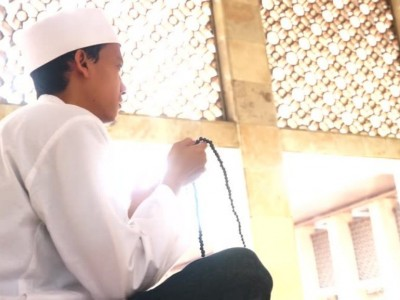 Hukum Shalat Jumat Online atau Live Streaming via Media Sosial