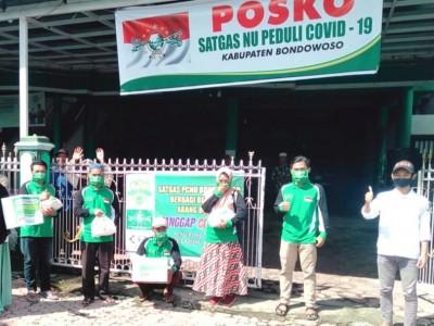 Senyum Ratusan Pengayuh Becak Terima Sembako dari LAZISNU Bondowoso