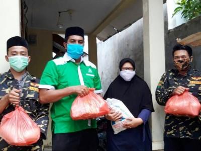 Ansor Aceh Gandeng Lakpesdam NU Salurkan Paket Sembako