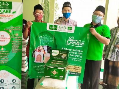 LDNU-LAZISNU Jombang Bagikan Ratusan Paket Sembako untuk Kiai-Bu Nyai Kampung