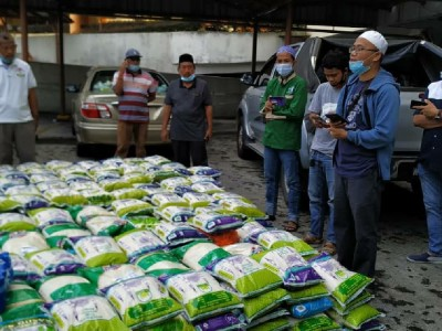 5000 Paket Sembako Dibagikan PCINU Malaysia saat Pandemi Covid-19