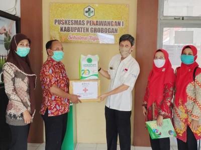 Gelar Pengabdian, Mahasiswa Unwahas Semarang Donasikan APD ke PuskesmasGrobogan