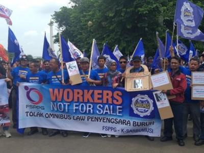 Soal 'Omnibus Law', Pemerintah dan DPR Didesak Minta Masukan ke Masyarakat