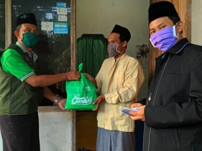 NU Care-LAZISNU Madiun Kirim Paket Sembako di Empat Kelurahan