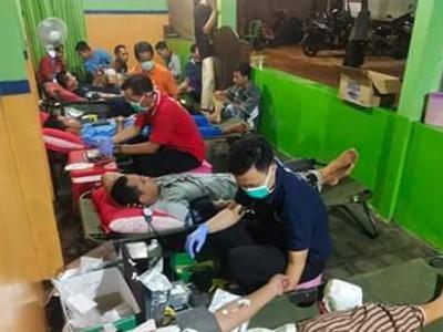 Stok Menipis, Pesantren Nailun Najah Jepara Donor 60 Kantong Darah