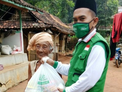 Gugas NU Bangkalan Salurkan '1 Juta Sembako Rakyat' LAZISNU Jatim