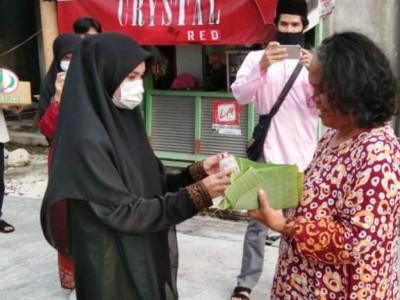 Pengalaman Mahasiswa UnisdaLamongan Asal Thailand Berbagi Takjil