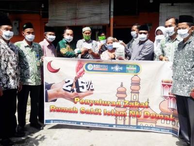 RSINU Demak Salurkan Zakat Mal dan Fitrah ke Dhuafa Sekitar Rumah Sakit