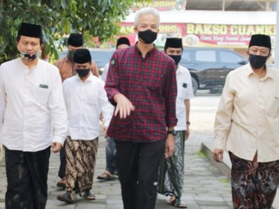 'New Normal' di Pesantren, Gubernur Jateng Kunjungi Pondok API Magelang