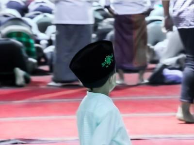 Aturan Mufaraqah Makmum dari Imam dalam Shalat Berjamaah