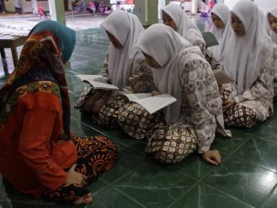 Bolehkan Wanita Haid Mengajar Al-Qur'an?