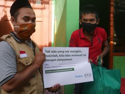 Sapa Penyandang Difabel, LAZISNU Jatim Bantu Paket Sembako