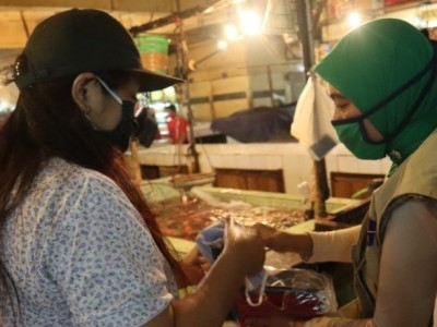 Satgas NU Peduli Covid-19 Edukasi Masyarakat di Pasar Tradisional
