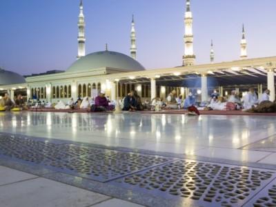 Khutbah Jumat: Keutamaan Bulan Dzulqa'dah dan Peristiwa Penting di Dalamnya