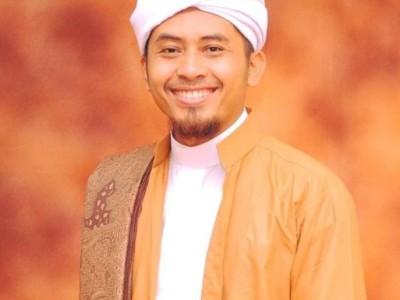 Habib Ghazali Jelaskan Berkhidmah yang Tak Datangkan Kualat