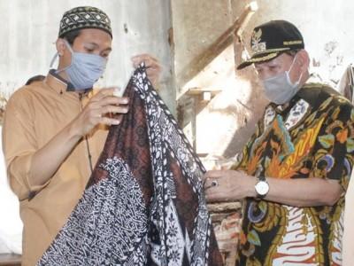 Usaha Sarung Batik Pekalongan Kembali Bergeliat di Tengah Pandemi Covid-19