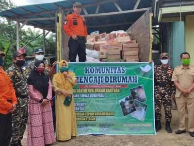 Bantu Terdampak Banjir, Banser dan Jamaah Pengajian Kobar Salurkan Bantuan