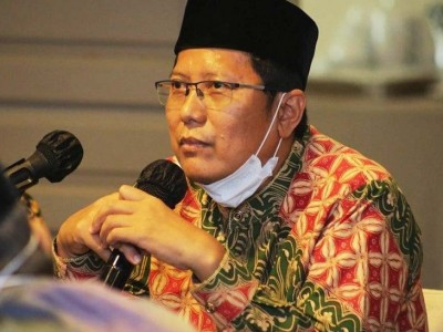 KH Cholil Nafis: Jangan Impor Konflik Luar Negeri ke Indonesia