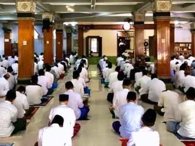 Patuhi Protokol Kesehatan, Pesantren Tebuireng Pisah Lokasi Jamaah Shalat Id