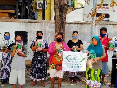 Tak Ada Kurban di Kampung Pemulung, LAZISNU Jatim Kirim Dua Ekor Kambing