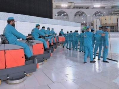 Di Masa Pandemi, Masjidil Haram Disterilisasi 10 Kali Setiap Hari