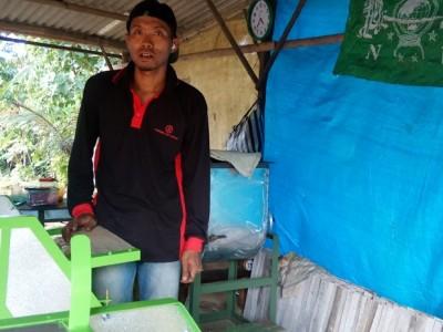 Bantu Petani, Kader Ansor Ciamis Ciptakan Mesin Perontok Padi Minimalis