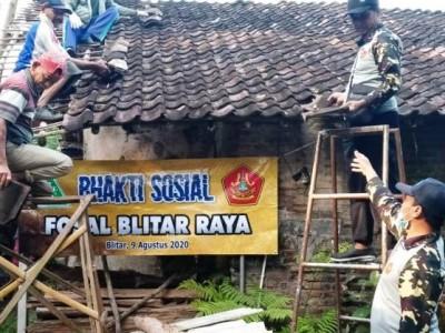 Ansor dan Banser Lawas di Kawasan Blitar Rehab Rumah Janda