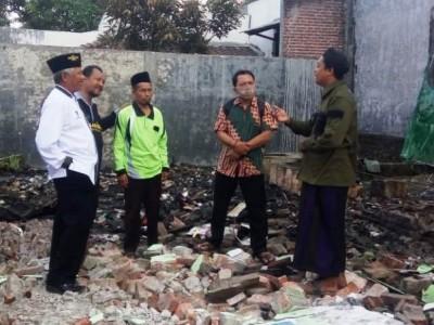 LAZISNU Jatim Bedah Rumah Janda yang Hangus Terbakar