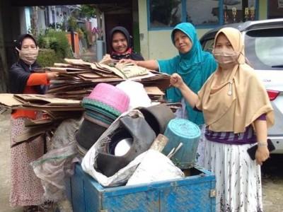 Sukses Sedekah Sampah, Bupati Tegal Minta Muslimat Fatayat NU Terus Berlanjut