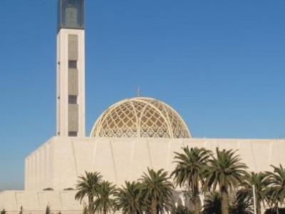 Aljazair Buka Kembali Masjid Usai Lima Bulan Lockdown