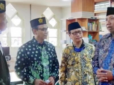 Kembangkan Pemikiran Kiai Pesantren, Unissula SemarangDirikan Pusat Kajian