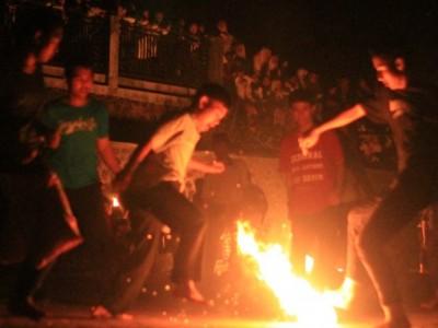 Meriahkan Tahun Baru Hijriah, Pesantren Al-Hikamussalafiyyah Sumedang Gelar Sepak Bola Api