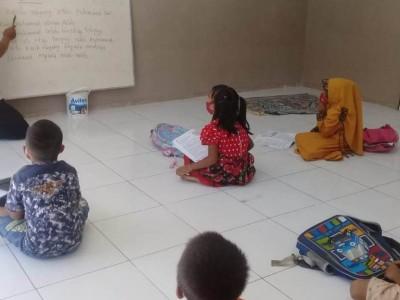 Balada Guru SD di Jember Mengajar di Tengah Terjangan Corona