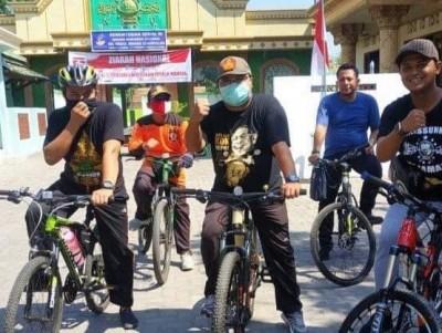Peringati HUT Ke-75 RI, Ansor Jombang Gowes ke Muassis NU