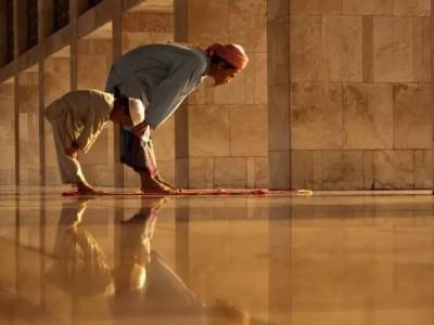Mulai September, Malaysia Izinkan Orang Asing Shalat di Masjid