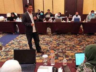 Guru Besar UGM Beberkan Trik Khusus Menulis Artikel Ilmiah