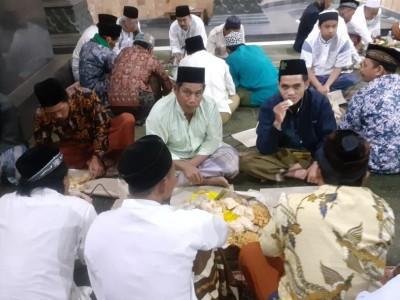 Masyarakat Malang Rayakan Asyura dengan Tumpeng Akbar dan Shalat Tasbih