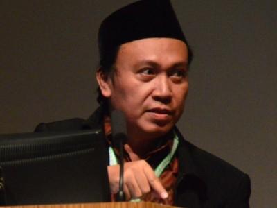 Ahmad Baso Sebut Ada Kekeliruan Tafsir Sejarah Khilafah di Nusantara