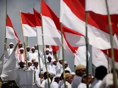 Membangun Konfidensi Umat Islam terhadap Praktik Bernegara