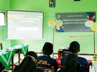 KPM Masa Pandemik, Mahasiswa Unsiq Wonosobo Pilih Buat Desain Web untuk MI