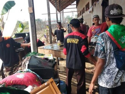 Banser Melawi: Kami Bantu Warga Tidak Pilih-pilih