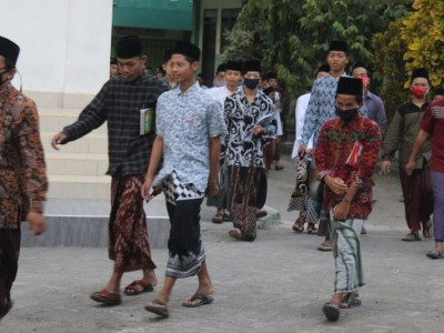 90 Persen Balik Pondok, Begini Pola Belajar Santri Mamba'ul Ma'arif Jombang